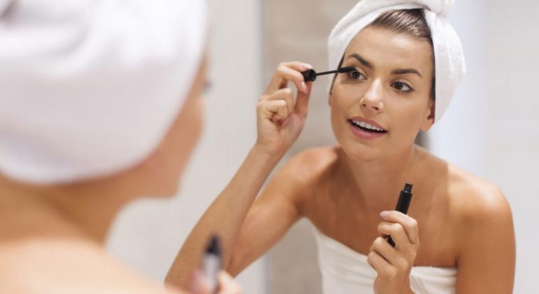 soczewki i makijaż